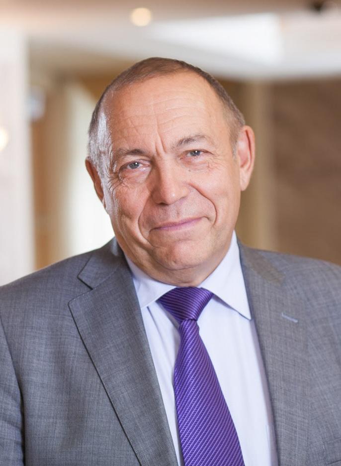Профессор, доктор физико-математических наук Евгений Владимирович Чупрунов (ректор с 2008 по 2018 год)